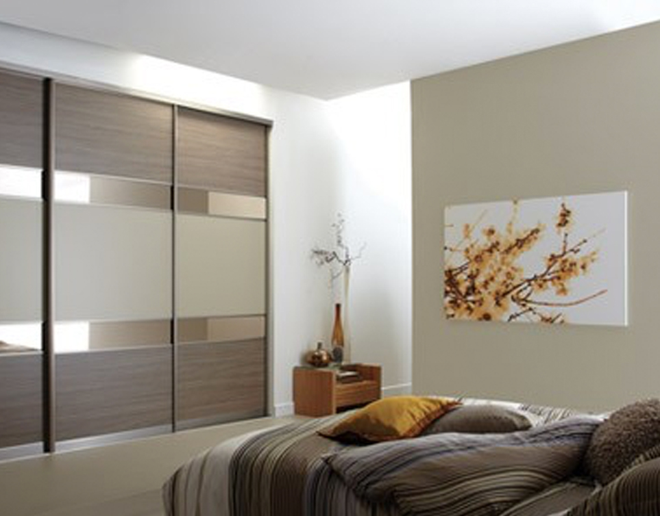 Sliding door wardrobe BEDROOM
